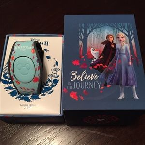 Frozen 2 Limited Edition Magic Band NEW